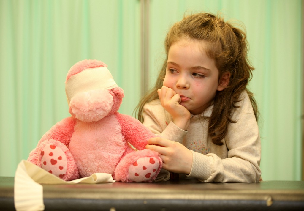 TeddyBearHospital004: Chloe Connell (7) Scoil Bhríde National School, Menlo, Co. Galway with her teddy at the launch of NUI Galway's 11th Annual Teddy Bear Hospital which will take place on campus from 21-22 January.